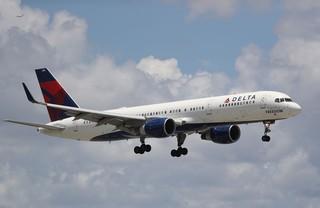 Delta looking to hire 1,000 flight attendants
