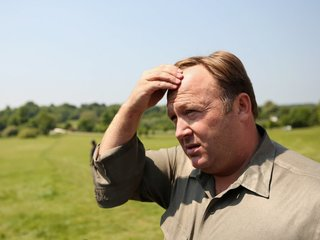 Twitter suspends conspiracy theorist Alex Jones